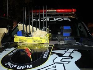 Quadrilha utilizava equipamentos para bloquear sistema de rastreamento (Foto: Catarina Costa/G1)