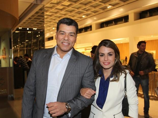 Maurício Mattar e a namorada, Bianca Assumpção, em evento em São Paulo (Foto: Paduardo/ Ag. News)