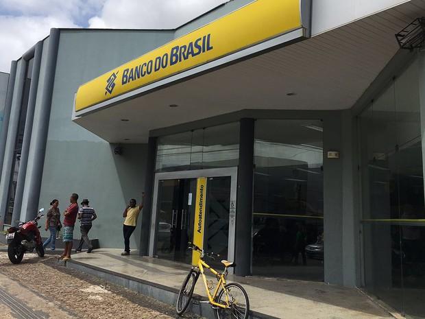 Acesso aos terminais de autoatendimento é normal para clientes (Foto: Zeca Soares/G1)