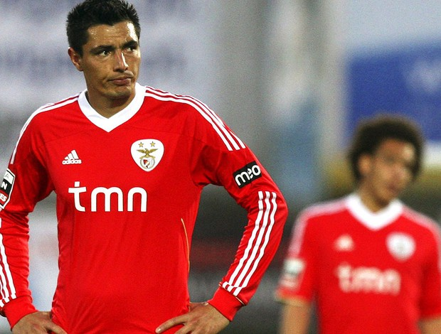 cardozo benfica cabisbaixo (Foto: Ag&#234;ncia EFE)