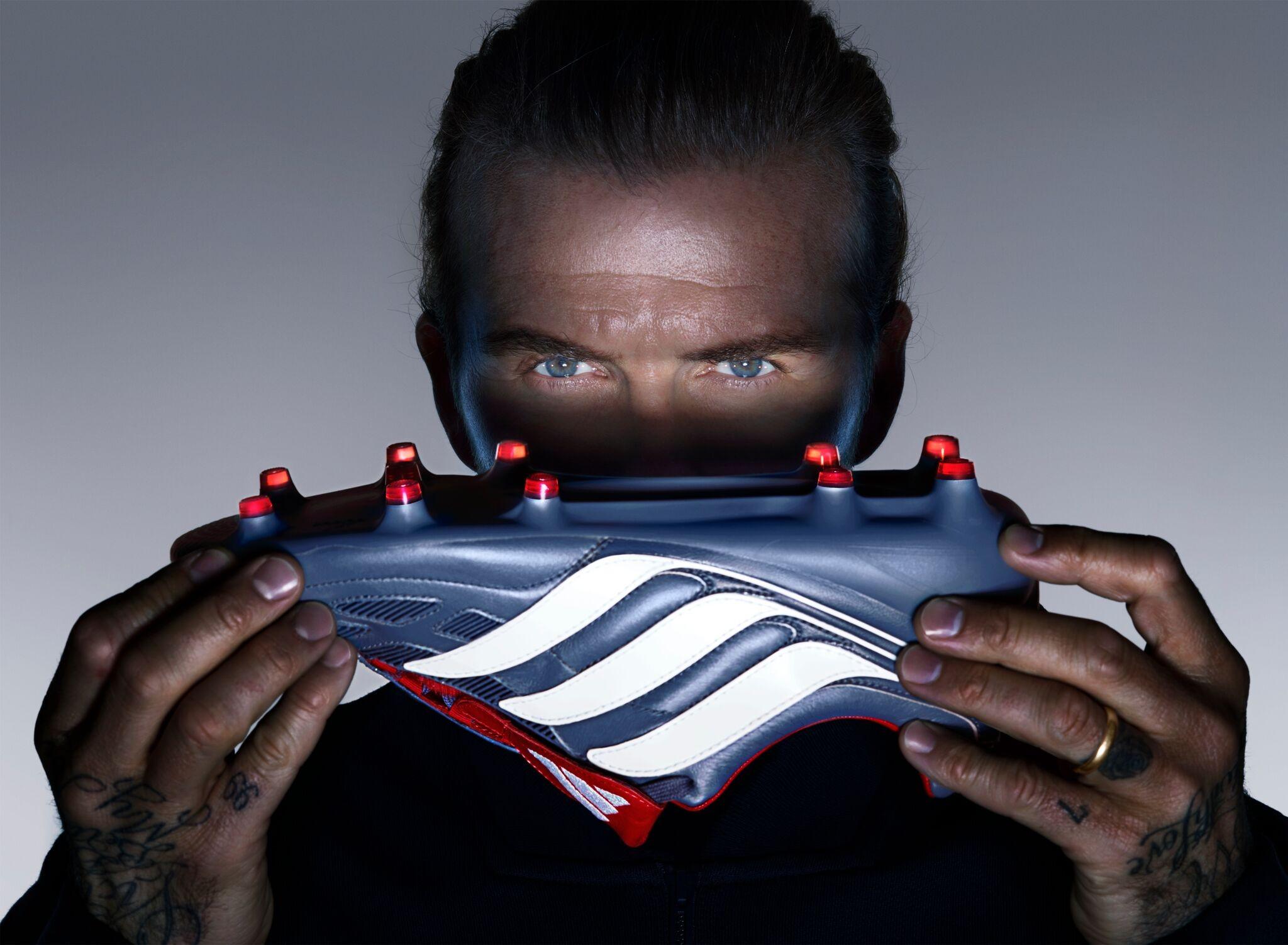 David Beckham e a adidas Predator Precision (Foto: Kick Kinight )
