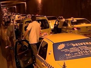 Taxista é assassinado em Juiz de Fora e categoria protesta nas ruas (Foto: Reprodução/TV Integração)