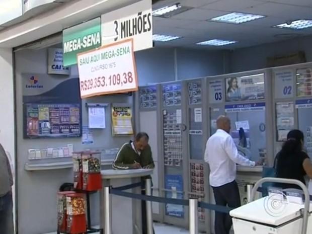 Apostador que ganhou quase R$ 30 mi na Mega ainda não sacou prêmio (Foto: Reprodução/TV TEM)
