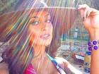 Aline Riscado faz charme em foto de biquíni e recebe cantada de gringo