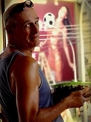 Marcos Caruso revela que é o personagem mais desafiados da carreira (Foto: Avenida Brasil / TV Globo)
