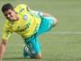 Jean treina no Palmeiras e deve ser titular contra o Santa Cruz