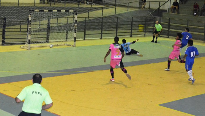 Vivaz derrotou o Torino por 2 a 2 e conquistou o título da Taça Flamarion Vasconcelos de Futsal (Foto: Alberto Rolla/GLOBOESPORTE.COM)