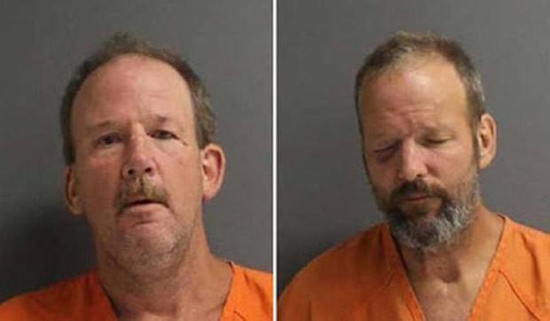 James e Michael Remelius foram presos depois que arremessaram tijolos um contra o outro (Foto: Volusia County Jail)