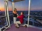Americano pede a mão da namorada em roda-gigante a 120 m de altura