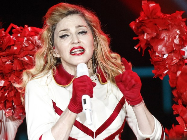Madonna canta em apresenta&#231;&#227;o em Moscou, na R&#250;ssia (Foto: Maxim Shemetov/Reuters)