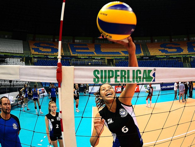 jogo Sesi x Pinheiros teste câmeras auxílio arbitragem vôlei Superliga (Foto: Marcos Ribolli / Globoesporte.com)