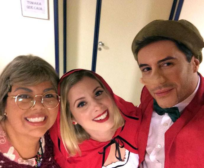 Daniele Valente, Fabiana Karla e Ricardo Tozzi nos bastidores (Foto: Gshow)