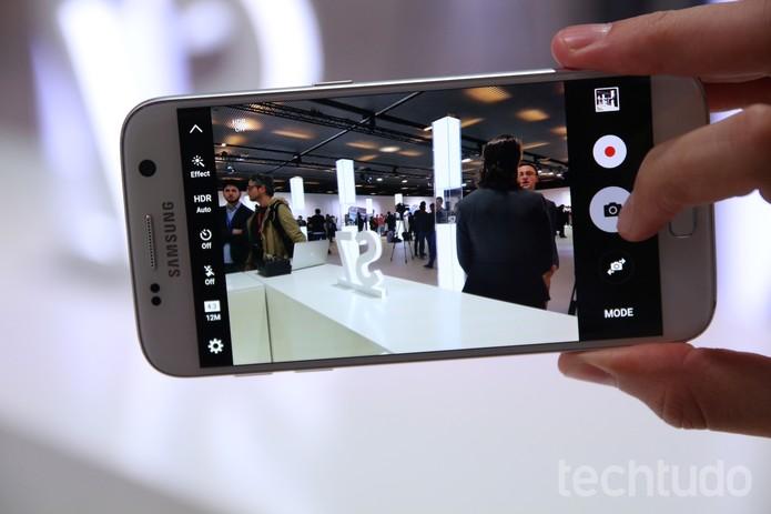 Câmera do Galaxy S7 em ação (Foto: Fabrício Vitorino/TechTudo)