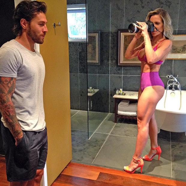 Joana Machado e Beto Gatti em bastidor de ensaio (Foto: Reprodução/Instagram)