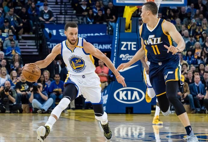 Stephen Curry Jazz x Warriors NBA (Foto: Reuters)
