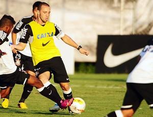 Guilherme treino Corinthians (Foto: Marcos Ribolli / Globoesporte.com)