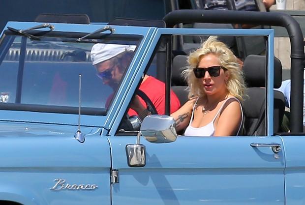 Lady Gaga e Bradley Cooper (Foto: Grosby Group)