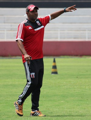 Alexandre Ferreira, técnico do Botafogo-SP (Foto: Luis Augusto/Ag. Botafogo)