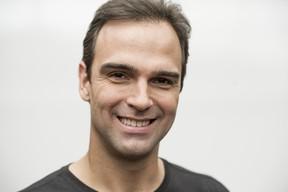 Tadeu Schmidt vai ser substituído por Evaristo Costa durante suas férias (Foto: Globo/João Cotta)