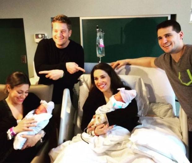Gêmeas deram à luz com 6 minutos de intervalo nos EUA (Foto: Reprodução/Facebook/Virtua Hospital)