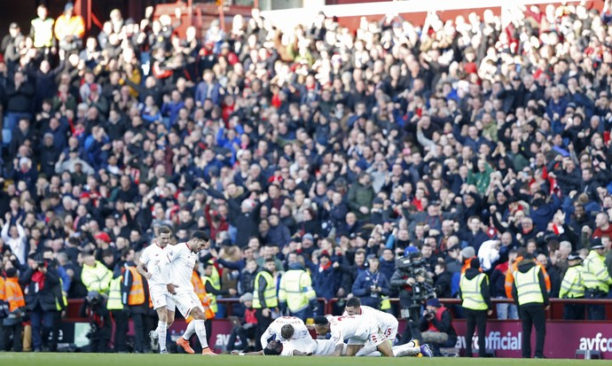 Comemoração Liverpool x Aston Villa (Foto: Reuters)