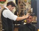 Supersticioso, Filipe Toledo repete barbearia onde cortou cabelo em 2015