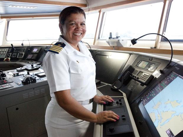 Hildelene Lobato Bahia, comandante do navio Rômulo Almeida (Foto: Divulgação/Renata Mello/Transpetro)
