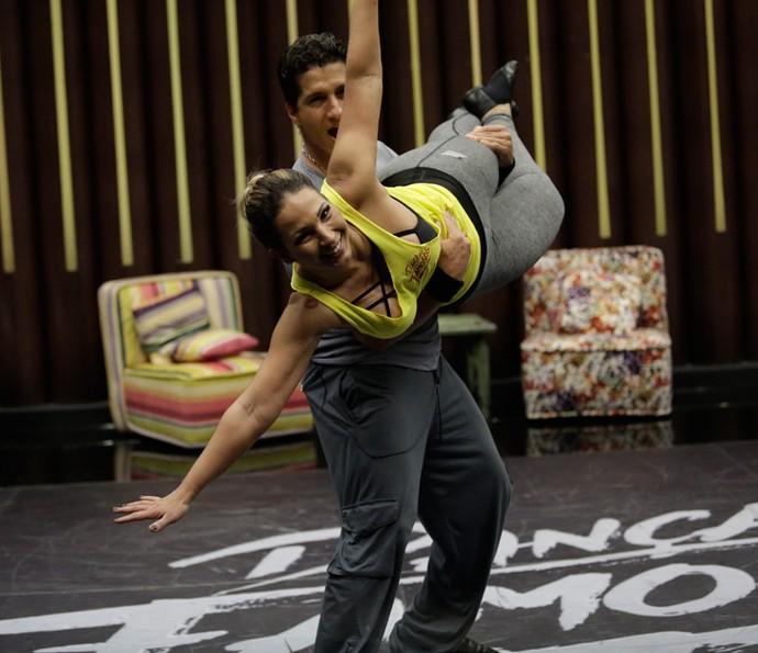 Valesca está disposta a fazer tudo pela dança (Foto: Artur Meninea/Gshow)