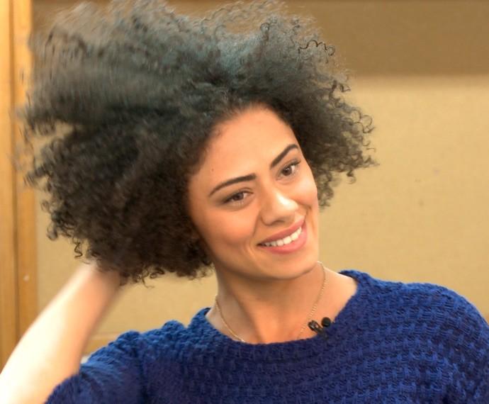 Linda! Ana Flávia Cavalcanti dá dicas de como cuidar dos cachos (Foto: TV Globo)