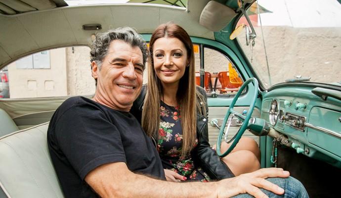 Paulo Betti pegou uma Carona com Cecília Ribeiro (Foto: Douglas Luzz)