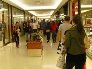 Corredor do shopping Iguatemi Campinas (SP) (Foto: Reprodução EPTV)