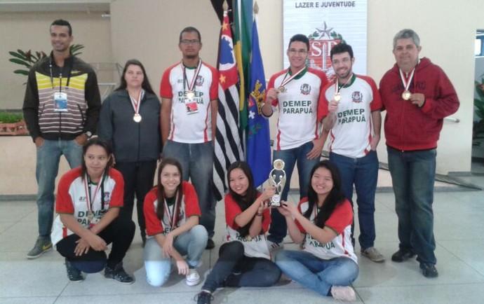 Time de damas de Parapuã foi campeão dos Jogos Regionais, em Osvaldo Cruz (Foto: Sidnei Oliveira Souza / Cedida)
