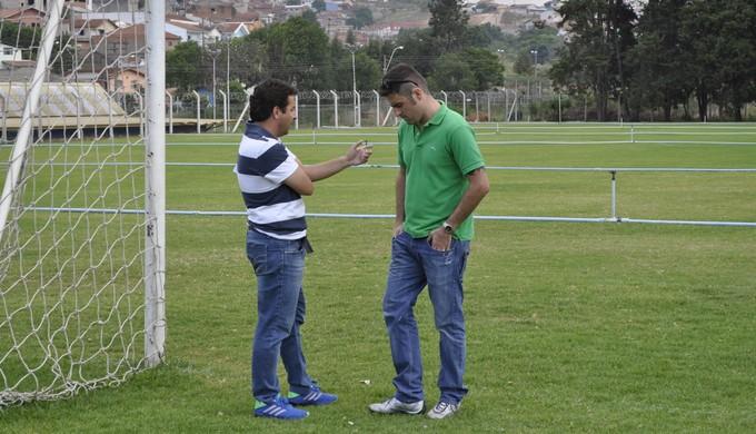 Gian Rodrigues e Franco Martins caldense (Foto: Filipe Martins)