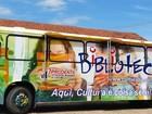 Ônibus do projeto Biblioteca Móvel estaciona no Jardim Leonor