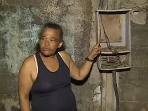 9968f19b1 Operação contra ligação clandestina deixa moradores sem luz em S. José  (Foto: Reprodução