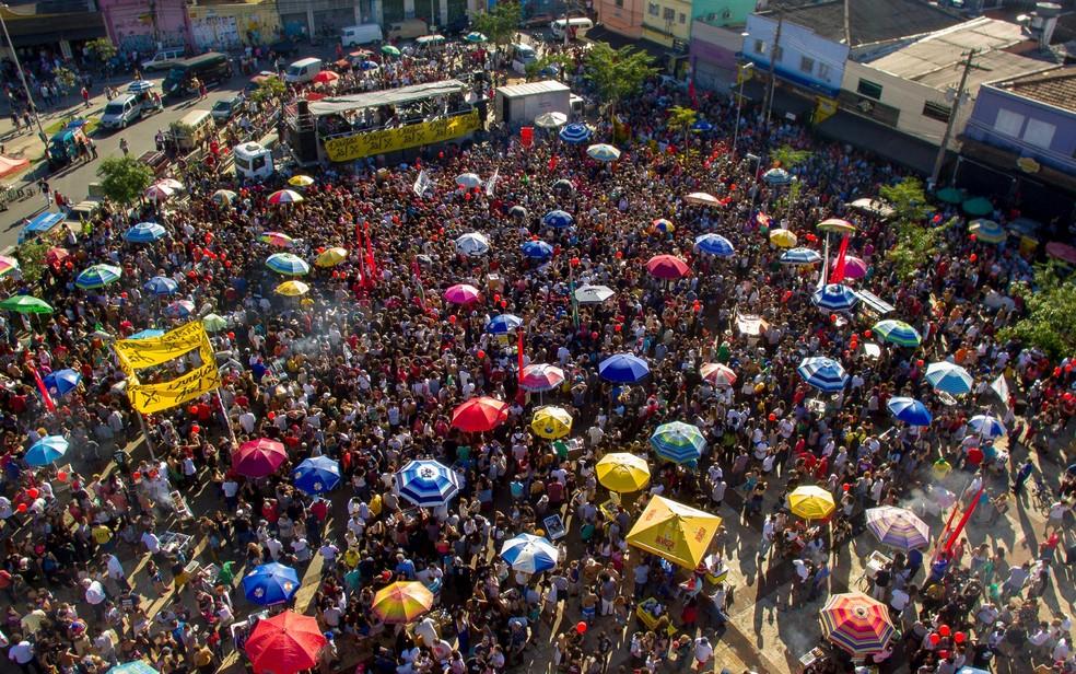 Protesto contra Temer e por eleições diretas no Largo da Batata (Foto: Dario Oliveira/Estadão Conteúdo)