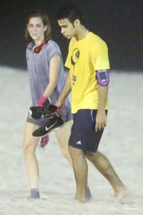 Sophia Abrahão e Sergio Malheiros orla da praia da Barra da Tijuca, Zona Oeste do Rio (Foto: Ag. News)