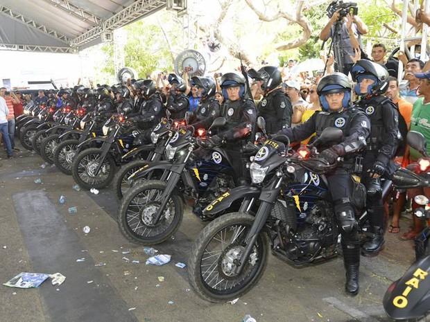 Governador Camilo Santana anunicou a compra de 140 motocicletas para o BPRaio, nesta segunda-feira (23) no Ceará (Foto: Carlos Gibaja/Governo do Ceará/Divulgação)