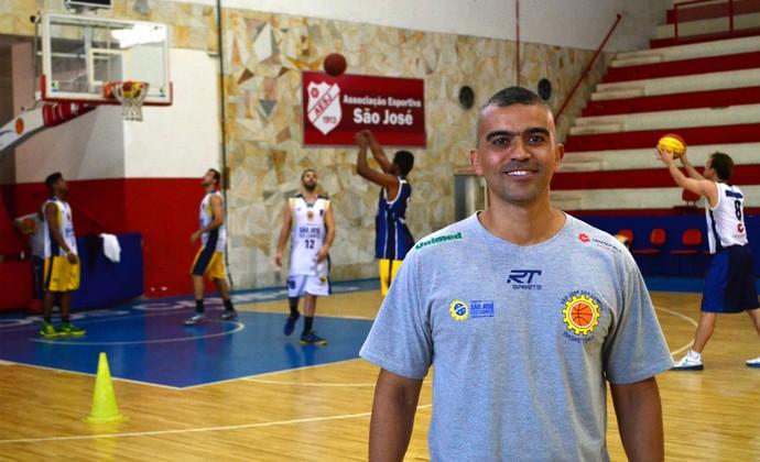 Renato Borges preparador físico São José Basquete (Foto: Danilo Sardinha/GloboEsporte.com)