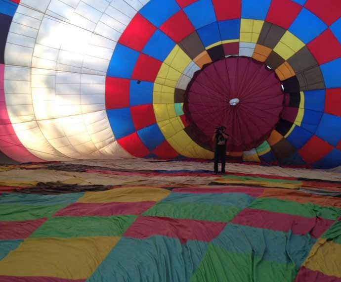 O Plug deste sábado (22) vai fazer um passeio nas alturas em um balão  (Foto: Reprodução/RPC)