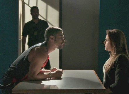 Lili visita Jacaré na prisão