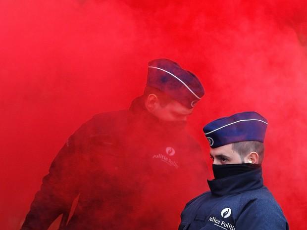 Protesto de militares na Bélgica (Foto: Yves Herman/Reuters)