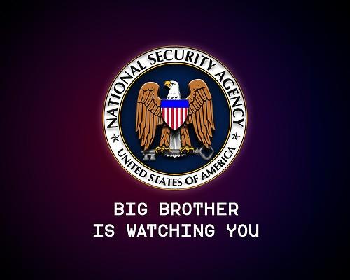 """Dickens brinca que ninguém fica imune à """"espiadinha"""" e investigação da Agência Nacional de Segurança dos EUA (Foto: HonestSlogans)"""