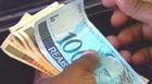 1ª parcela do  13º deve ser paga até hoje (Reprodução Globo News)