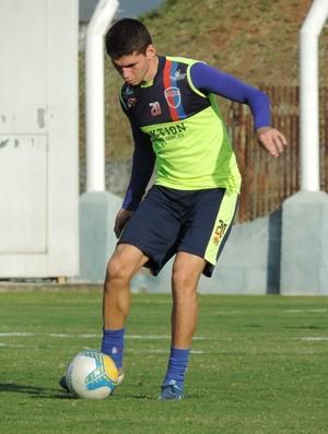 Thalysson, zagueiro do Grêmio Prudente (Foto: João Paulo Tilio / GloboEsporte.com)