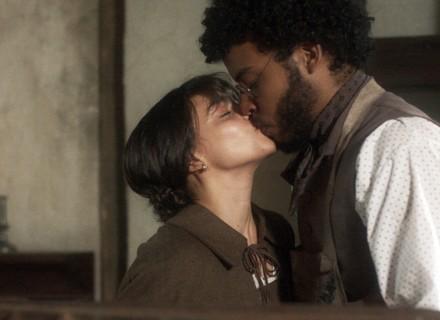 Cecília beija Libério!