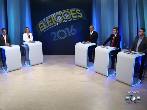Candidatos à Prefietura de Goiânia preparados para o debate na TV Anhanguera Goiânia Goiás (Foto: Reprodução/TV Anhanguera)