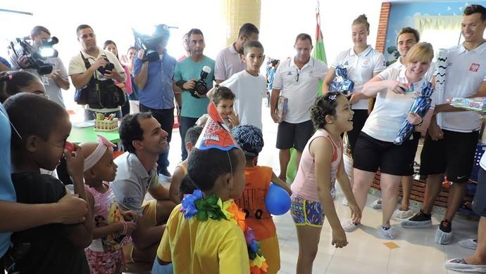 Nadadores na Avosos (Foto: Divulgação/Avosos)