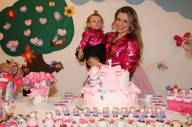 Aniversário de Cecília, filha de Bianca Castanho (Foto: Cleomir Tavares / Divulgação)