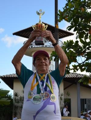 Corredora Maria Lúcia, volta de aracaju (Foto: João Aquila / GLOBOESPORTE.COM)